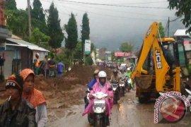 Jalur Denpasar - Singaraja Macet Akibat Banjir