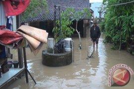 Sisi Barat Jembrana Dikepung Banjir