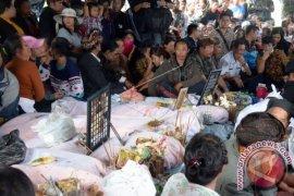 Seto Mulyadi Kunjungi Korban Longsor
