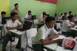 Akhirnya Disdik Bengkulu pinjam laptop siswa untuk UNBK
