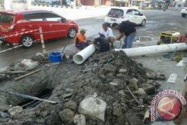 Distribusi Air Samarinda Terhambat Oleh Pipa Pecah