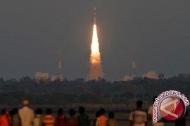 Satelit Telkom 4 diluncurkan