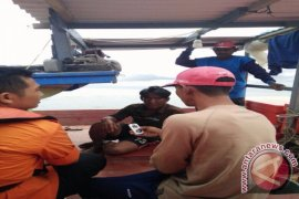 SAR Pontianak Evakuasi Nelayan Di Perairan Ketapang