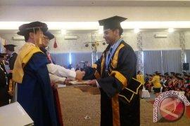 Universitas Pendidikan Nasional Lepas 319 Wisudawan