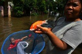 200 Warga Kresek Mengungsi Ke Posko Banjir