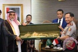 Polri Laporkan Pedang Raja Arab ke KPK