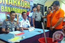 Polresta Banjarmasin Musnahkan 57 Paket Sabu