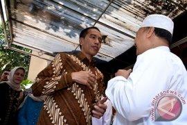 Jokowi Tawarkan Dokter Kepresidenan Bantu Rawat Hasyim Muzadi