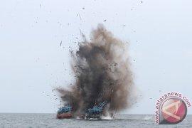 Polda Aceh musnahkan tiga kapal ilegal fishing