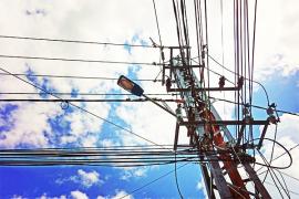 Satu bocah tewas tersengat listrik akibat tali layangan berkawat