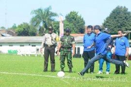 Pemkot Kediri Bina Atlet Sepak Bola dengan Kompetisi