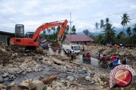 Mensos Tinjau Lokasi Banjir dan Longsor Aceh
