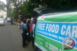 """""""Food-truck"""" ACT bagikan makan gratis"""