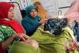 Deteksi Dini Atasi Kanker Leher Rahim dan Payudara