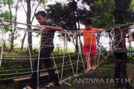 Berpetualang di Pacet Mini Park (Video)