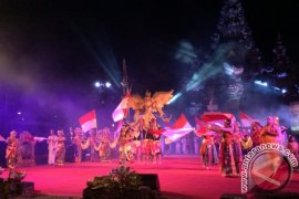 "Sendratari Kolosal ""Nusantara Bangkit"" Ingatkan Kemajemukan NKRI (video)"