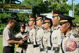 """Ayusitha Nonton """"Kartini"""" Bareng Muda-Mudi Demokrat Jatim"""
