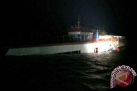 Nelayan Tempilang Keluhkan Tumpahan Minyak KIP Tenggelam