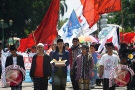 Buruh Purwakarta Pilih Parade Budaya Untuk Peringati May Day
