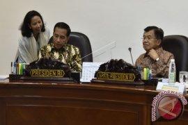 Menteri BUMN Rini Soemarno Mendorong Sinergi BUMN Dengan Pesantren
