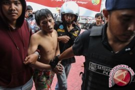 Polisi Ringkus Ratusan Tahanan Kabur