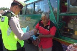 Petugas Gabungan Razia Angkutan Umum
