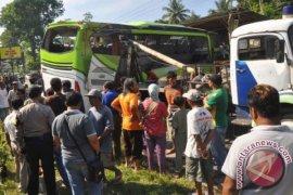 Orang Tua Siswa SMK Panca Karya Bogor Pastikan Keberadaan Anaknya Pascakecelakaan Bus Di Magelang