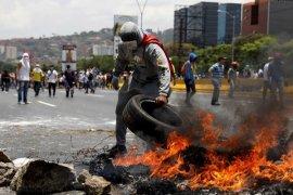 Seorang pria Venezuela ditembak mati saat kerusuhan krisis bahan pokok