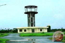 Bandara Mathilda Batlayeri Belum Miliki Peralatan Navigasi