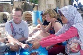 Turis Cemaskan Kerusakan Terumbu Karang Pulau Tikus