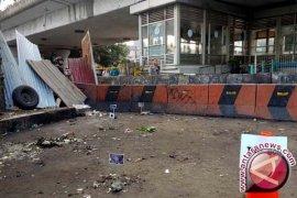 Bom Kampung Melayu : dugaan sementara bom bunuh diri