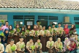 """Program """"Edulurs"""" Mahasiswa IPB Untuk Anak Berkebutuhan Khusus"""
