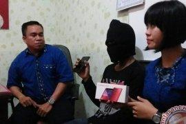 Remaja di Jembrana Tertangkap Mencuri Handphone
