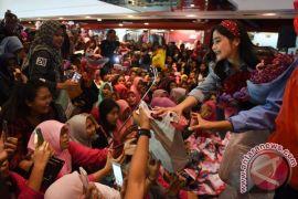 Komedian Andre Taulany dan Rina Nose dilaporkan ke Polda Metro Jaya