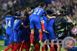 Prancis Menang 3-2 atas Inggris