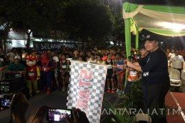 Kapolrestabes-Kajari Surabaya Ikut Lari Malam Susuri Dolly (Video)