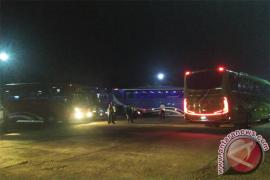 Tim Gabungan Periksa Bus Di Terminal Antarnegara