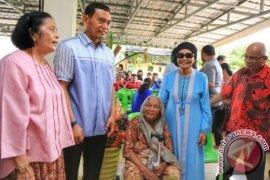 Kebersamaan JR Saragih dengan Keluarga Momen Lebaran