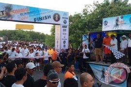 "Steven Asal Kenya Sabet Juara ""Sunrise Running"" (Video)"