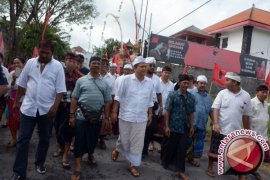 Kandidat Cagub Rai Mantra Daftar PDIP Bali