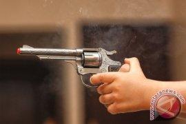 Pencuri sepeda motor bersenjata api mainan tertangkap basah