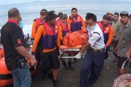 Dua wisatawan asing nyaris tenggelam di Jembrana