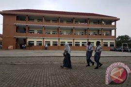 Dua Sekolah Baru Di Bekasi Terbengkalai, Kenapa?
