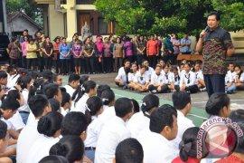 Wagub Bali Meninjau SMKN 4 Denpasar