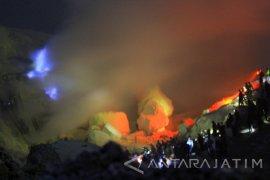 Blue Fire Gunung Ijen