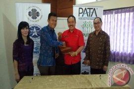 PHRI Bali Serahkan Sertifikat Manajemen Keamanan Hotel