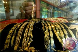 Harga emas turun lagi menjelang Lebaran