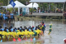Tim Dayung Mempawah 2 Juara Lomba Bidar