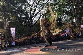 Mensesneg Apresiasi Masyarakat Bandung Sambut Karnaval Kemerdekaan (Video)