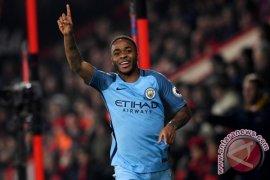 Pep Guardiola ingin Sterling dapat bertahan di Manchester City